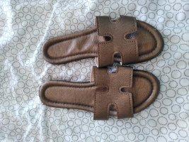 Pantofola bronzo-marrone