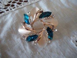 Brooch cream-light blue