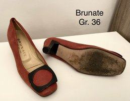 Brunate Ballerinas