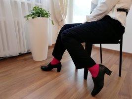 Brunate Buty z zabudowanym przodem czarny