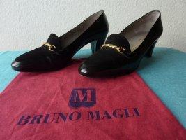 Bruno Magli Classic Court Shoe black-gold-colored leather