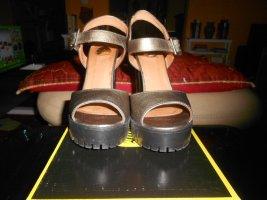 Buffalo- goldene High Heels Gr. 38