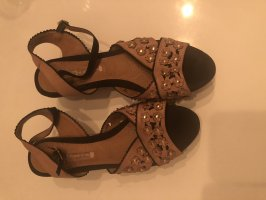 Buffalo Leder Sandaletten mit leichten Absatz