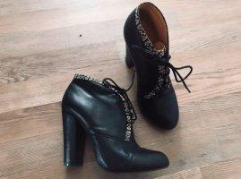Buffalo London Booties black leather