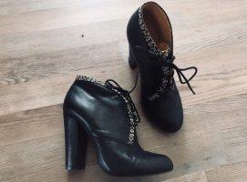 Buffalo London • Schwarze Stiefelette aus Leder Gr. 38