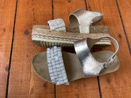 Bullboxer Sandalo con plateau argento-crema