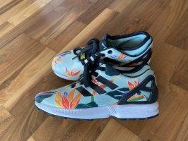 bunte Adidas Sneaker