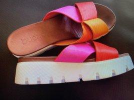 Bueno Plateauzool sandalen rood Leer