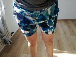 Bunte Shorts
