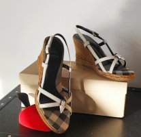 Burberry Wedge Pumps natural white