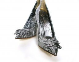Burlesque TANGO Leder Pumps High Heels Buffalo silber – NEU