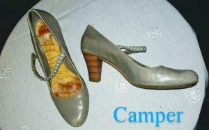 Camper Tacones de tiras marrón grisáceo tejido mezclado