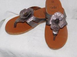 Caprice Sandały japonki z rzemykami srebrny