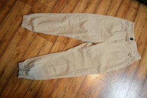 Bershka Pantalón de camuflaje beige
