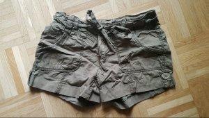 Pantalón corto deportivo caqui