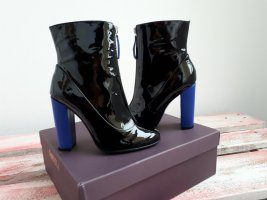 Carvela Ankle Boots black-blue