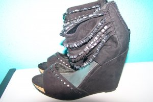 Catwalk Strapped High-Heeled Sandals black