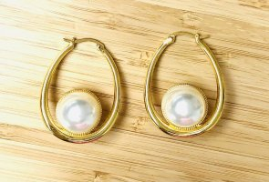 Celine Ohrringe Goldfarbe Mit Perlen