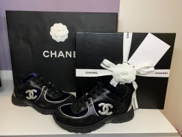 Chanel Zapatillas con tacón negro-color plata