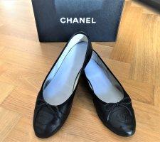 Chanel Ballerinas with Toecap black leather
