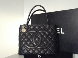 """Chanel - Black Quilted Caviar Silver Medaillon Tote Bag"