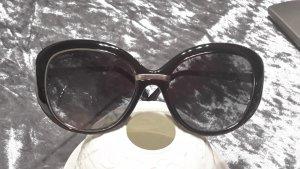 Chanel Round Sunglasses black