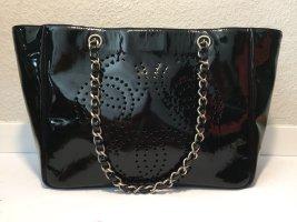 Chanel Lack-Handtasche mit Kettenhenkel + Pochette