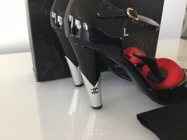 Chanel Escarpins Mary Jane noir-argenté cuir
