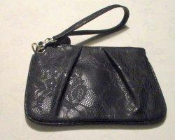 Charlotte Russe Clutch Handgelenk Tasche Bag Spitze Prägung schwarz edel sehr guter Zustand Reißverschluss gefüttert