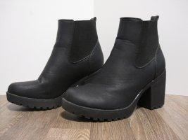 Queentina Chelsea Boots black