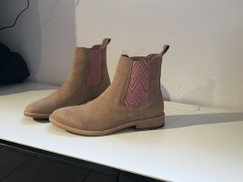 Crickit Chelsea Boots nude leather