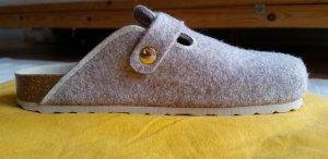 Chice Slippers für drinnen und draussen