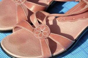 Clarks Comfort Sandals dusky pink leather