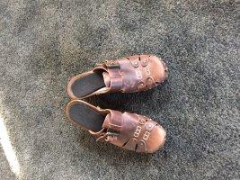 Sandalo con tacco marrone-marrone scuro