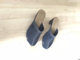Sandalias con tacón azul oscuro Cuero