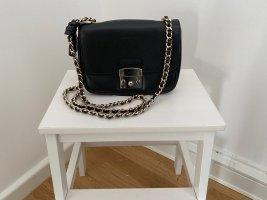 COCCINELLE Margo Handtasche Crossbody Bag mit Kette in Saffiano Leder.