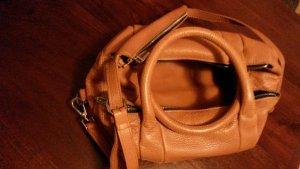 Cognacfarbene Leder Tasche von Zara