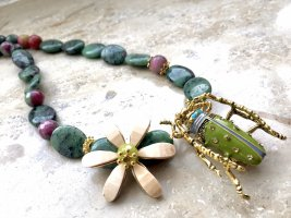 Necklace multicolored
