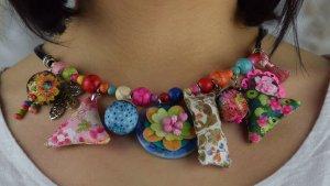 Collier Modeschmuck Blogger Halskette Stoff und Perlen neu