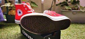 Converse High Top Sneaker red
