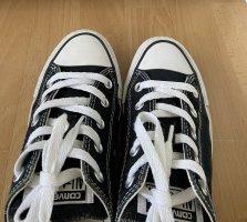 Converse Lace-Up Sneaker black-white