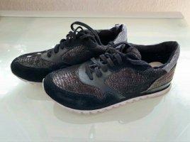 Cool gemusterte Sneaker