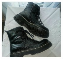 Coole Boots in bekanntem Style