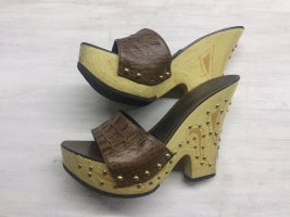 Coole Nieten Wedges***