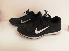 Coole Nike Schuhe in Gr. 42