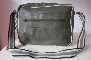 Coole Office-Tasche mit Eyecatcher-Gurt für Oliv-Freundinnen