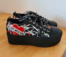 Coole Schuhe Love Moschino