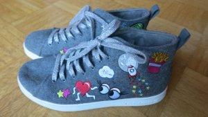 coole Sneaker mit Patches von Skechers