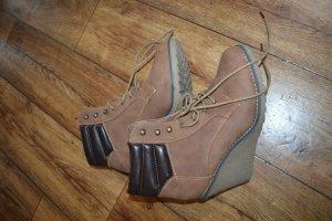 Coole Stiefeletten/Boots von mir Rehbraun Keil Gr. 40