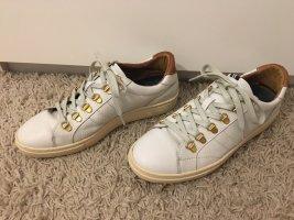 coole weiße Ledersneaker